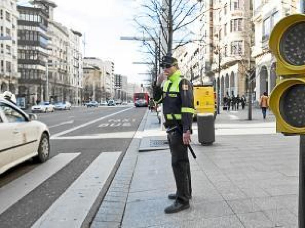 La Policía Local desplegará una campaña contra las distracciones al volante