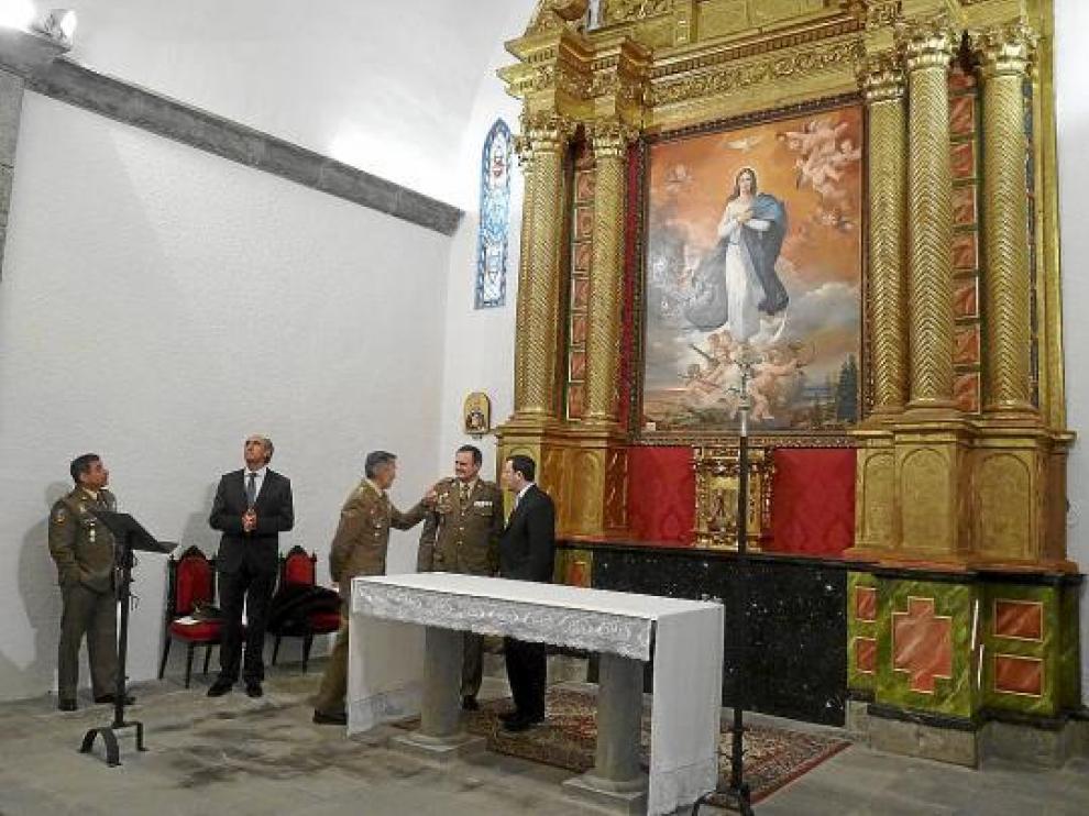 El retablo de la iglesia de San Pedro vuelve a lucir todo su esplendor tras una concienzuda restauración.