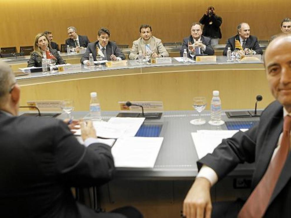 El ministro de Industria, Miguel Sebastián, se reunió ayer con los consejeros del ramo de ocho CC. AA.