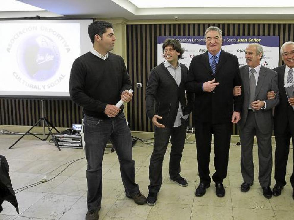 García Sanjuán, Pablo Pemán, Pepe Díaz, Juan Señor, Severino Reija y Pedro Oliva, durante la presentación de la asociación.