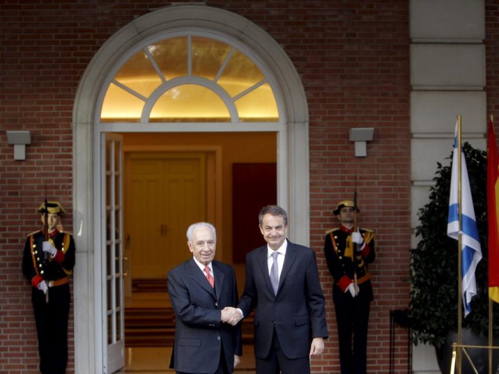 El jefe del Ejecutivo, José Luis Rodríguez Zapatero, y el presidente israelí, Simón Peres