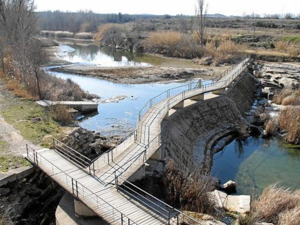 Imagen del azud para remansar las aguas del río Guadalope, en Alcañiz.