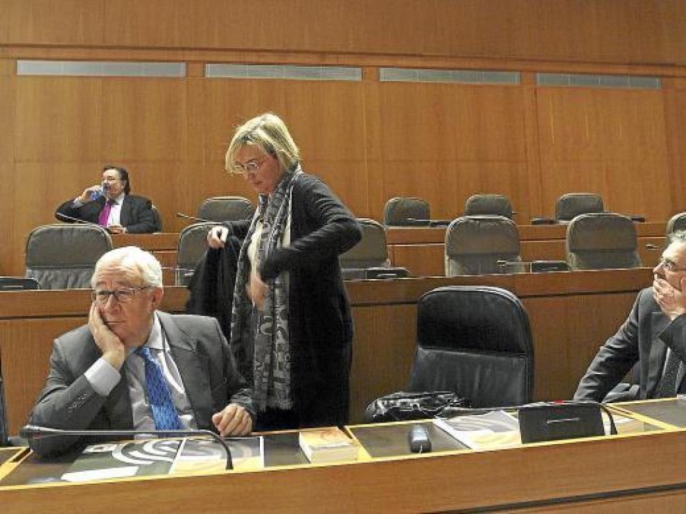 En la imagen, el vicepresidente José Ángel Biel y los consejeros Eva Almunia y Rogelio Silva.