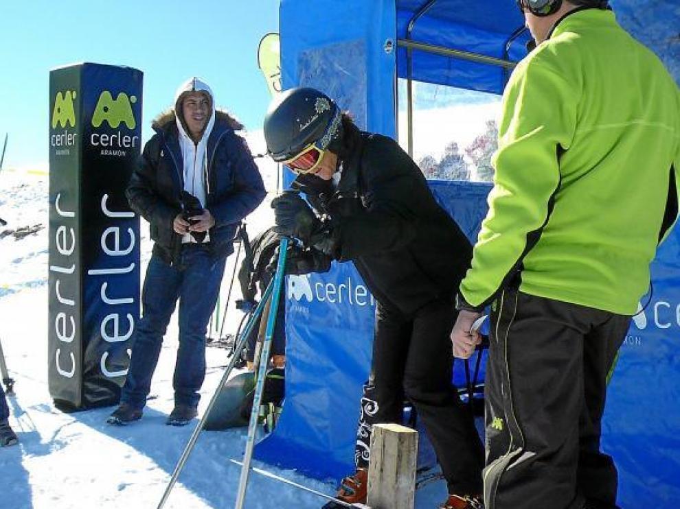 Blanca Fernández Ochoa inaugura uno de los descensos del memorial en Cerler.