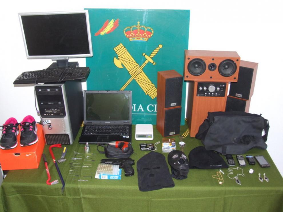 Algunos objetos robados por los ladrones
