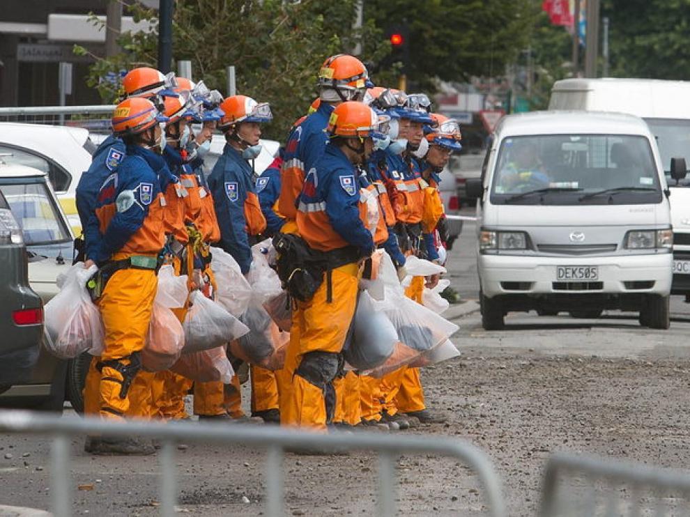 Miembros de los grupos de rescate en Nueva Zelanda