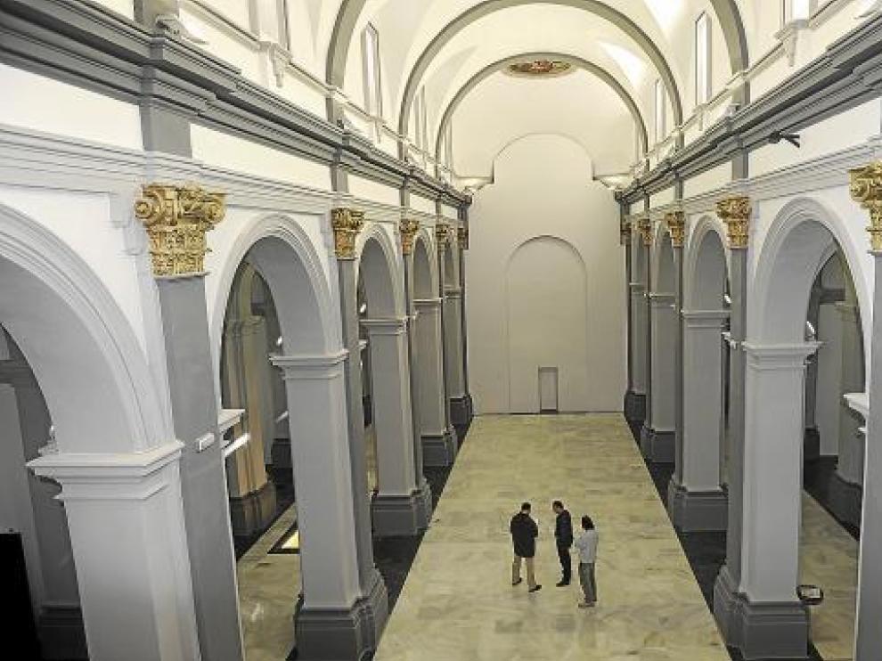 La restauración del templo, anejo a la torre mudéjar de San Martín, deja un amplio espacio expositivo.