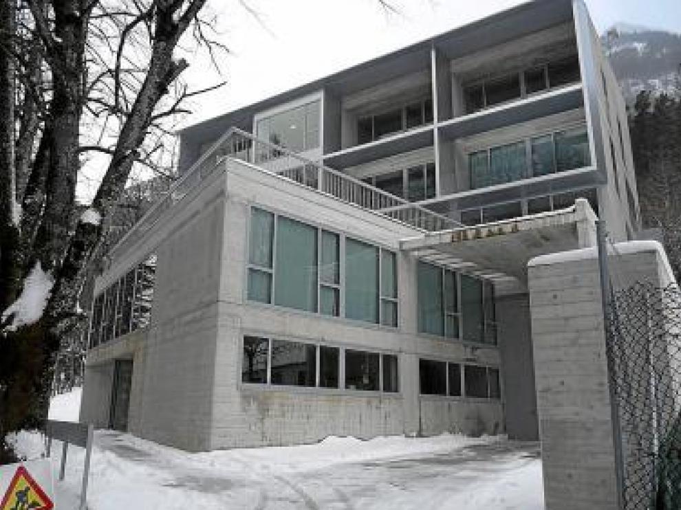 El traslado al nuevo edificio, en la imagen, sigue estos días.