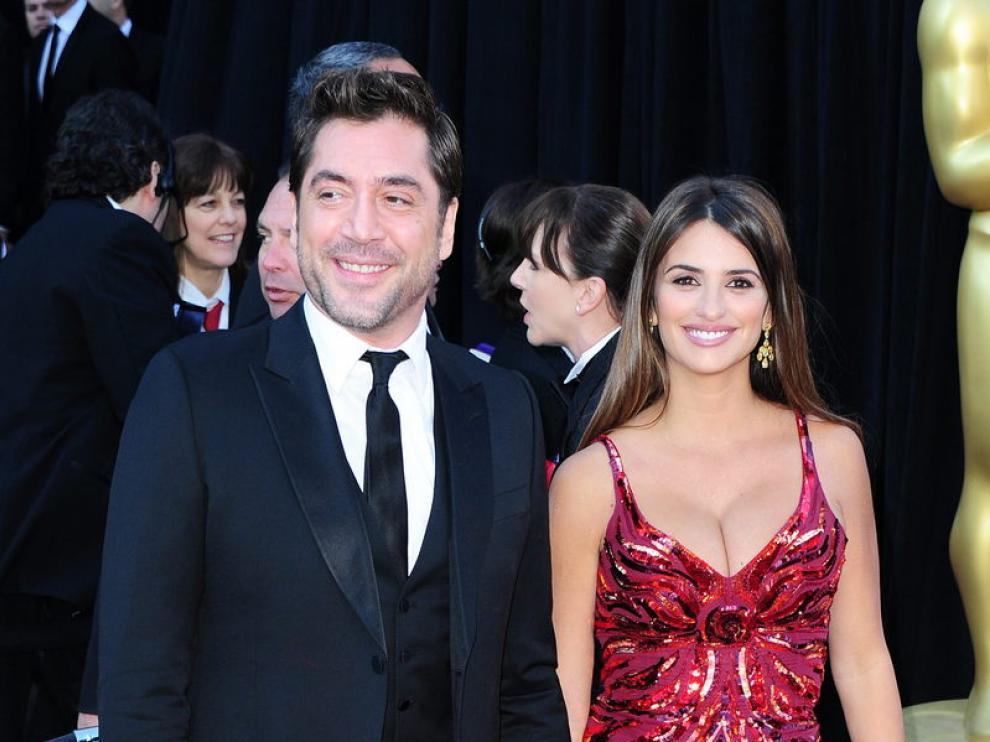 Javier Bardem y Penélope Cruz a su llegada al Teatro Kodak de Los Ángeles
