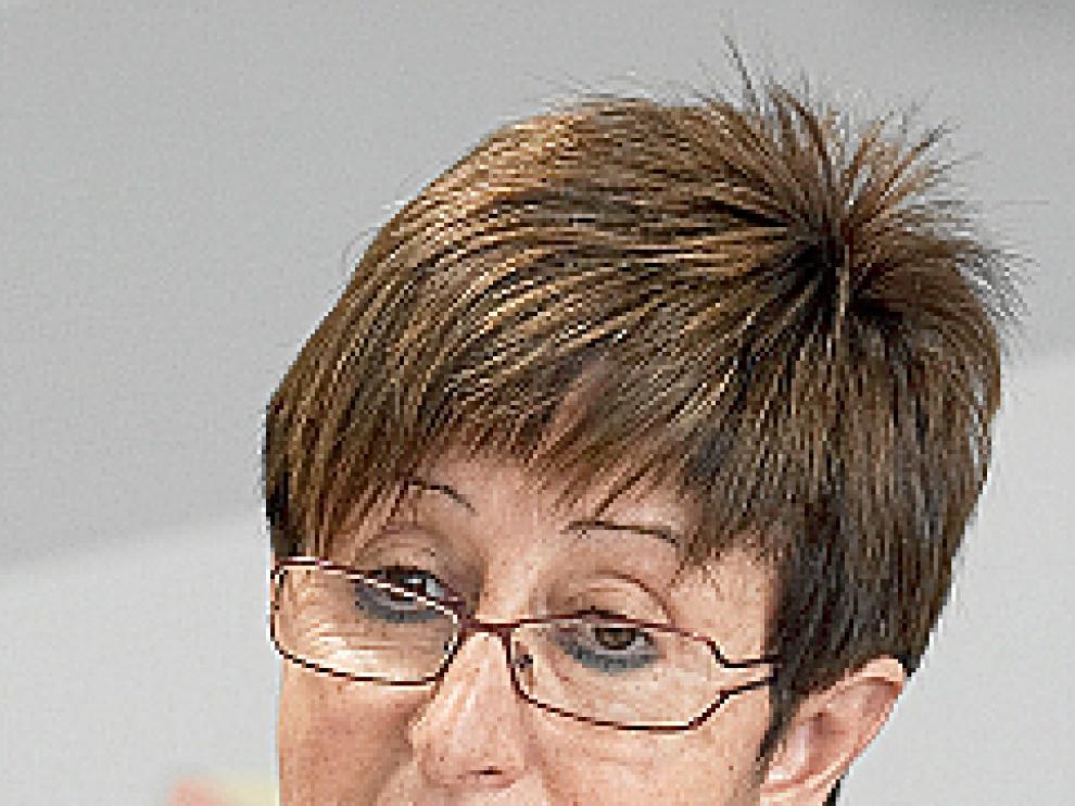Luisa M. Noeno.