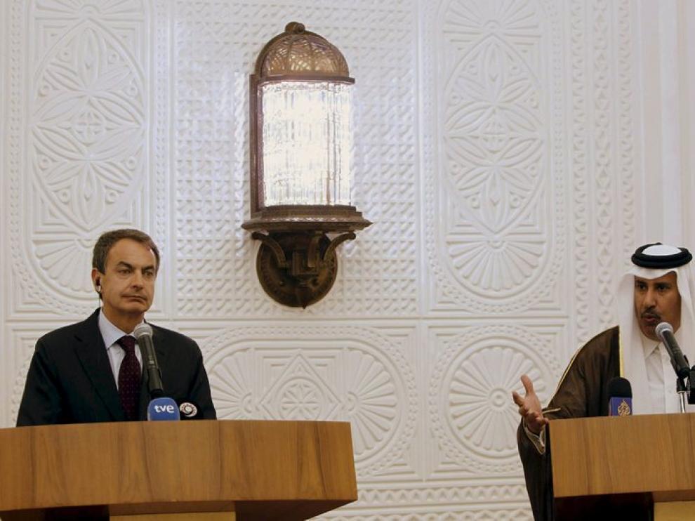 Zapatero durante su comparencia ante los medios en Qatar.