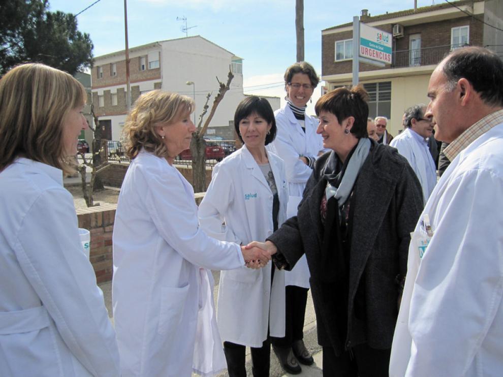 Luisa María Noeno, durante su visita al centro de salud en Albalate de Cinca.