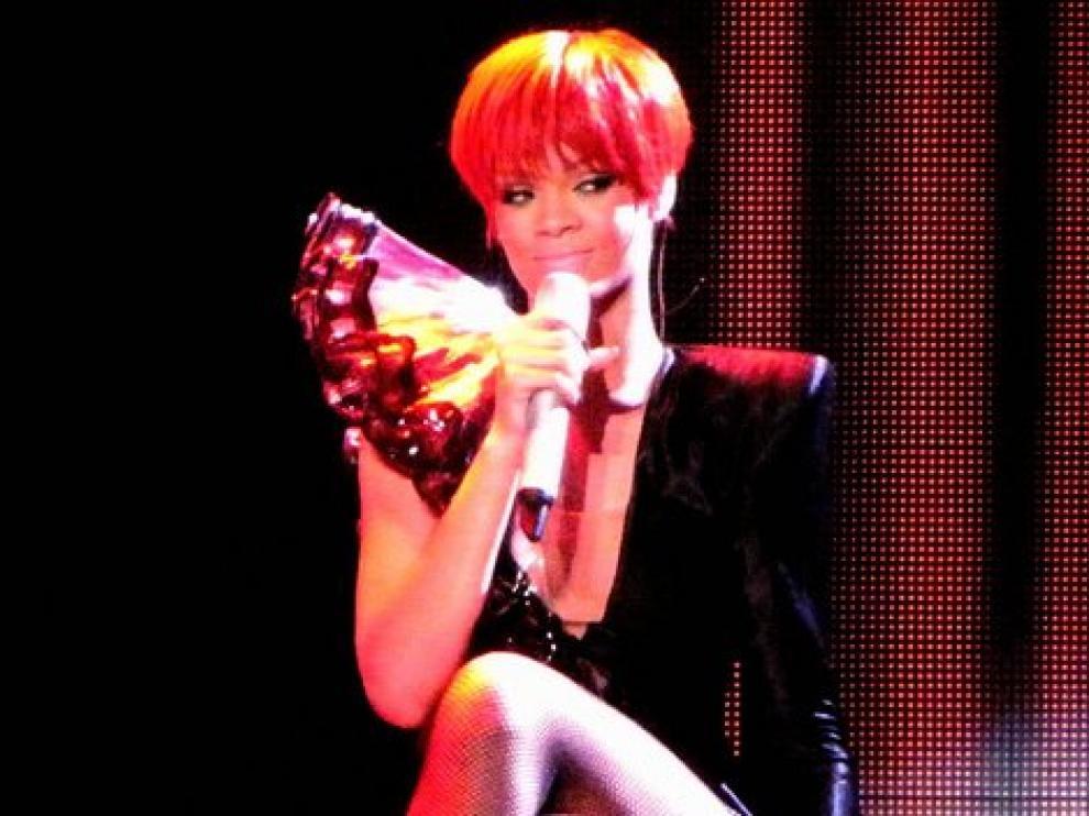 La cantante Rihanna durante una actuación