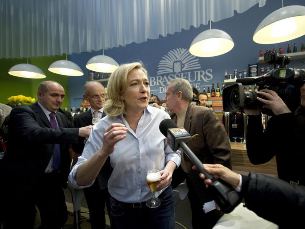 Marine Le Pen durante la Feria de Agricultura de París, en febrero