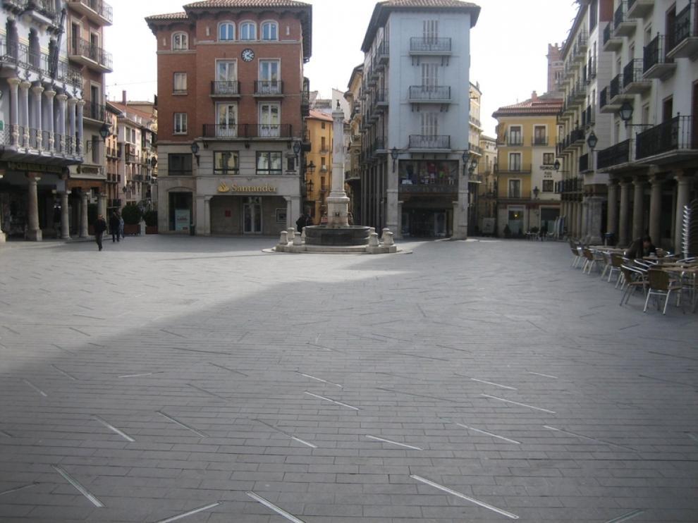 La plaza del Torico, de día