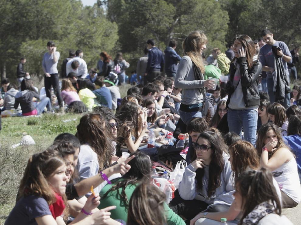 Jóvenes celebrando San Pepe en años anteriores.