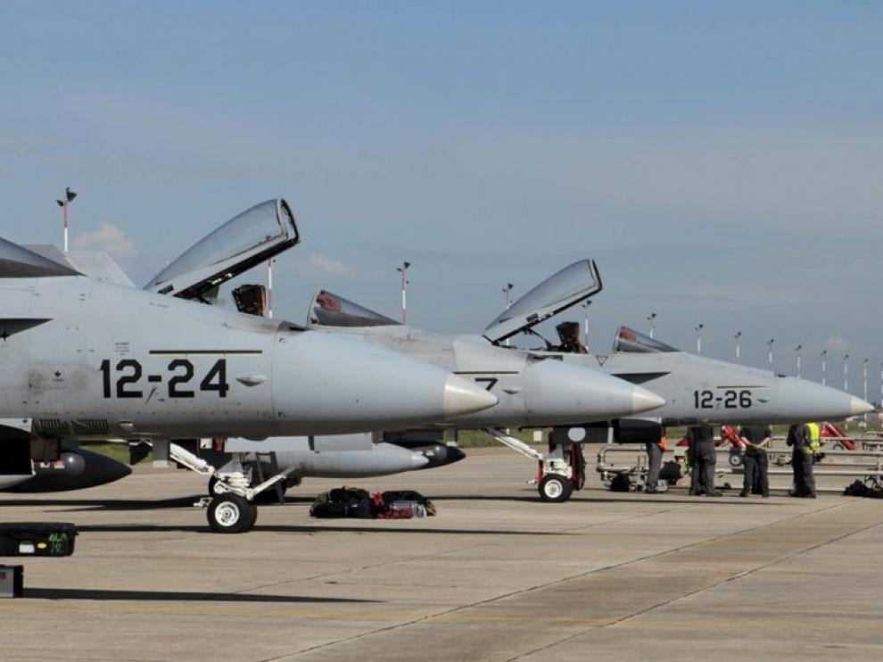 Los F-18 españoles en la base de Decimomannu
