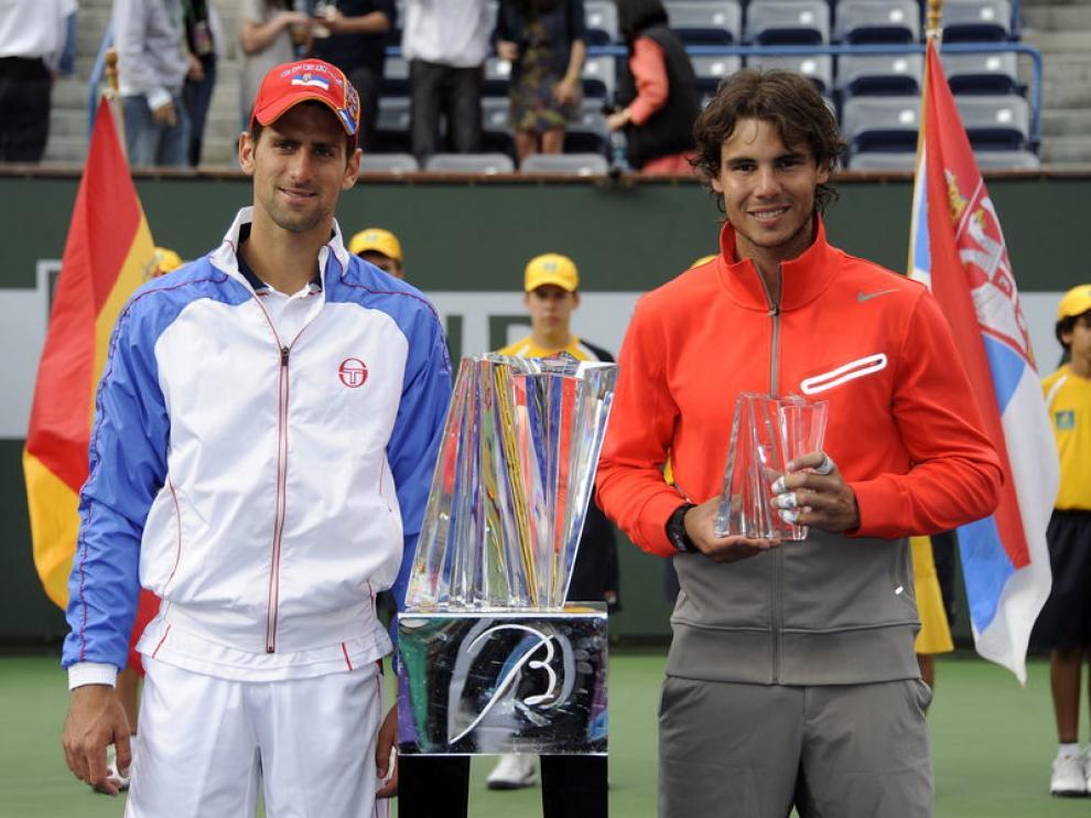 Los tenistas Novak Djokovic y Rafael Nadal, tras disputar la final del torneo de Indian Wells.