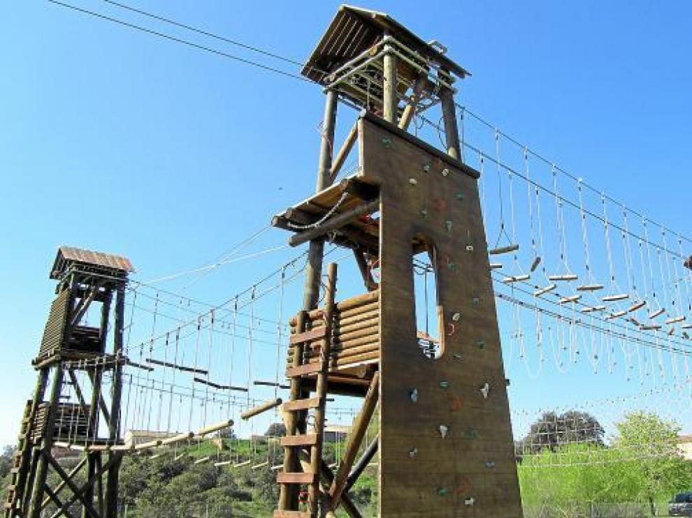 Las torres, de 8,5 metros de altura, permiten hacer una caminata 'aérea'.