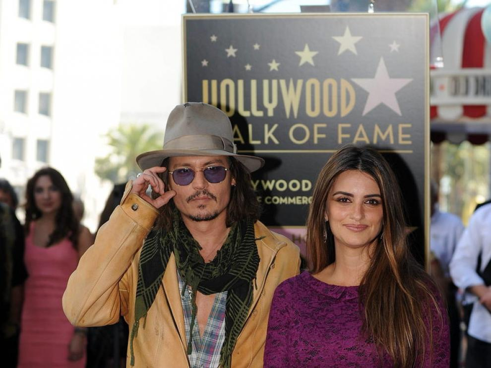Pénelope Cruz descubre su estrella en Hollywood junto a Johnny Depp.