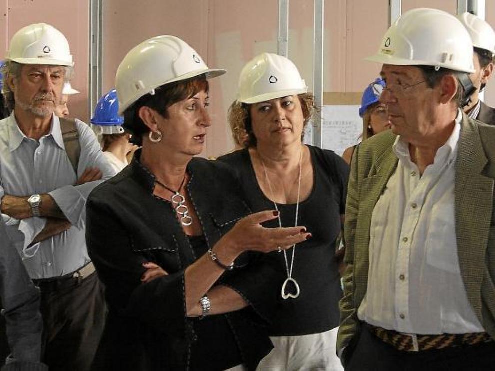 La consejera, en julio del año pasado, cuando visitó las obras de los quirófanos del Provincial.