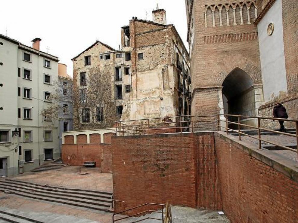 La plaza de los Amantes presenta actualmente un aspecto degradado.