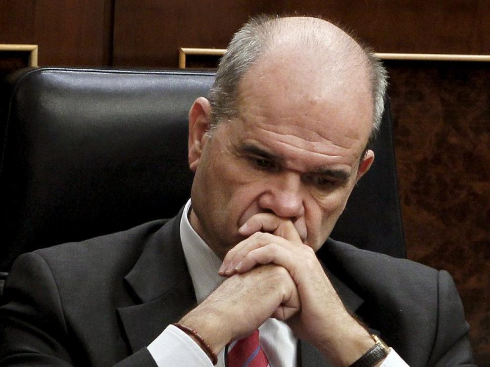 Manuel Chaves en su escaño durante la sesión del control al ejecutivo en el Pleno del Congreso