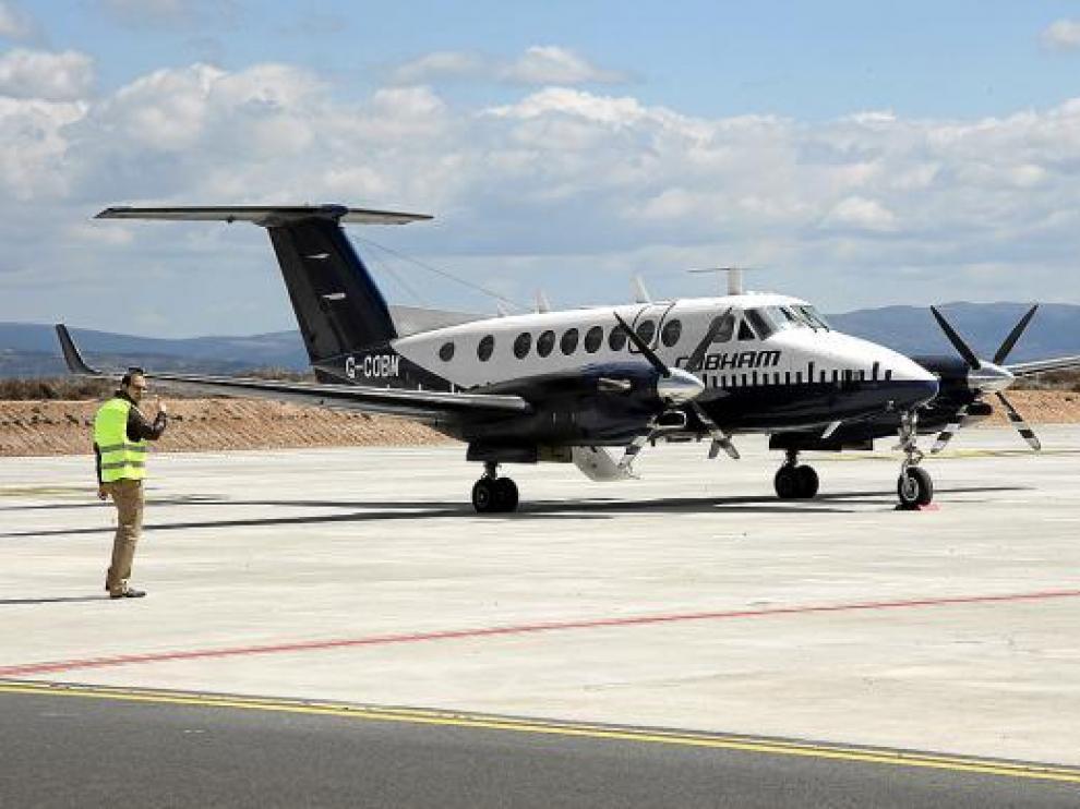 Un avión aterrizó la semana pasada en Caudé, tras efectuar la inspección de los sistemas operativos.