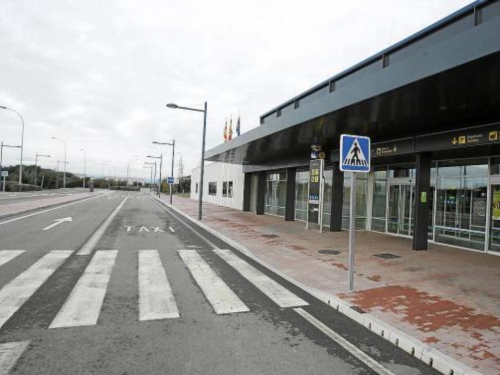 Las instalaciones del aeropuerto acostumbran a tener este aspecto, están abiertas pero vacías.