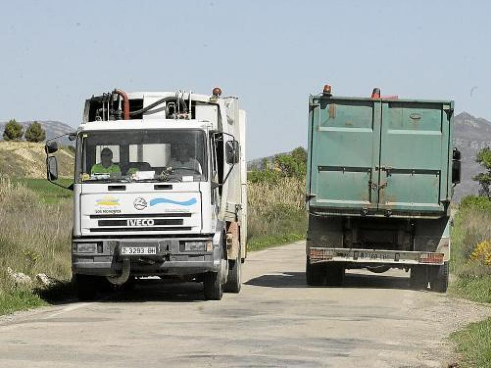 Los camiones deberán marcar sus contornos con reflectantes