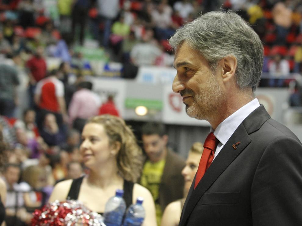 José Luis Abós se retira sonriente tras una victoria en el Príncipe Felipe.