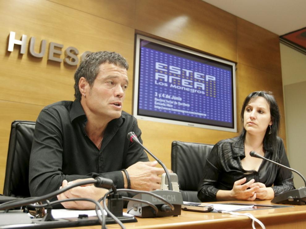 Daniel Périz y Lorena Canales, en la presentación de ayer.