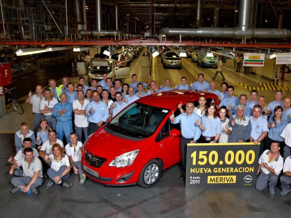 Foto de archivo del Meriva 150.000 que salió de la planta de Figueruelas