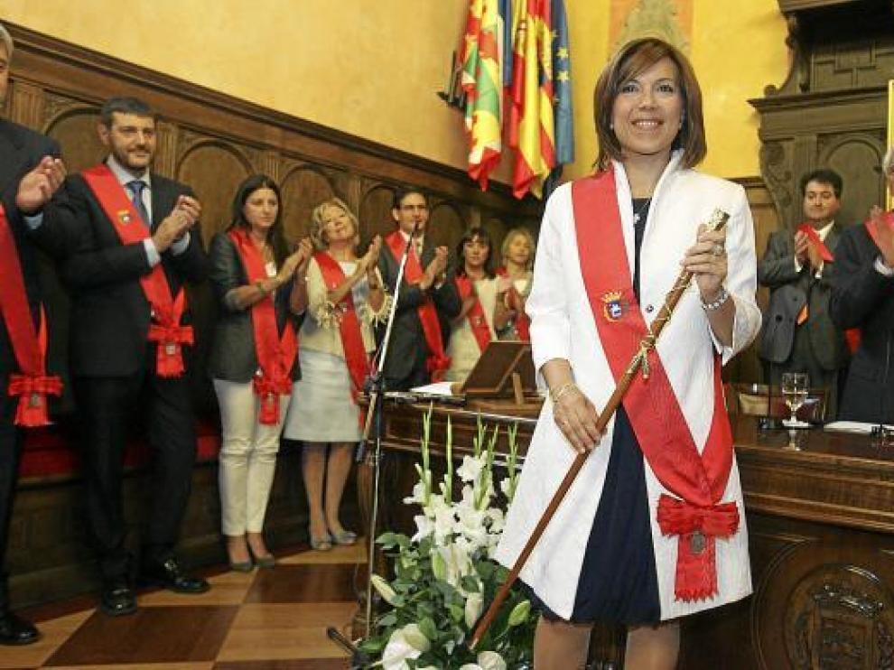 La nueva alcaldesa de Huesca, Ana Alós, no descarta en un futuro ajustar su sueldo al trabajo que desempeña