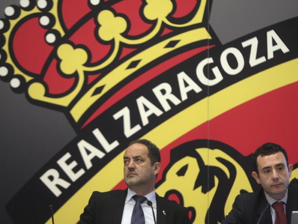 Agapito Iglesias, presidente y accionista mayoritario del Real Zaragoza, junto a Javier Porquera, consejero.