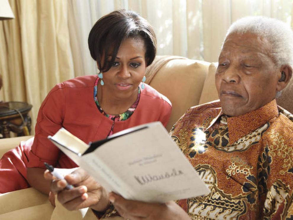 Michelle Obama junto al nobel de la Paz