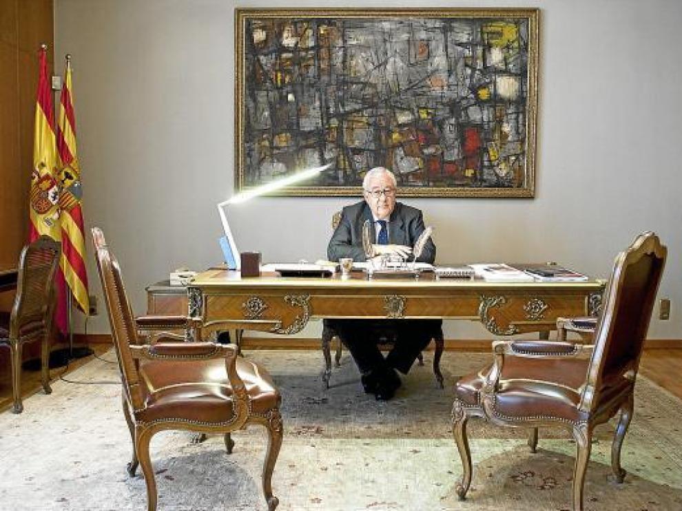 El presidente de las Cortes de Aragón, José Ángel Biel, ayer en su despacho de La Aljafería.