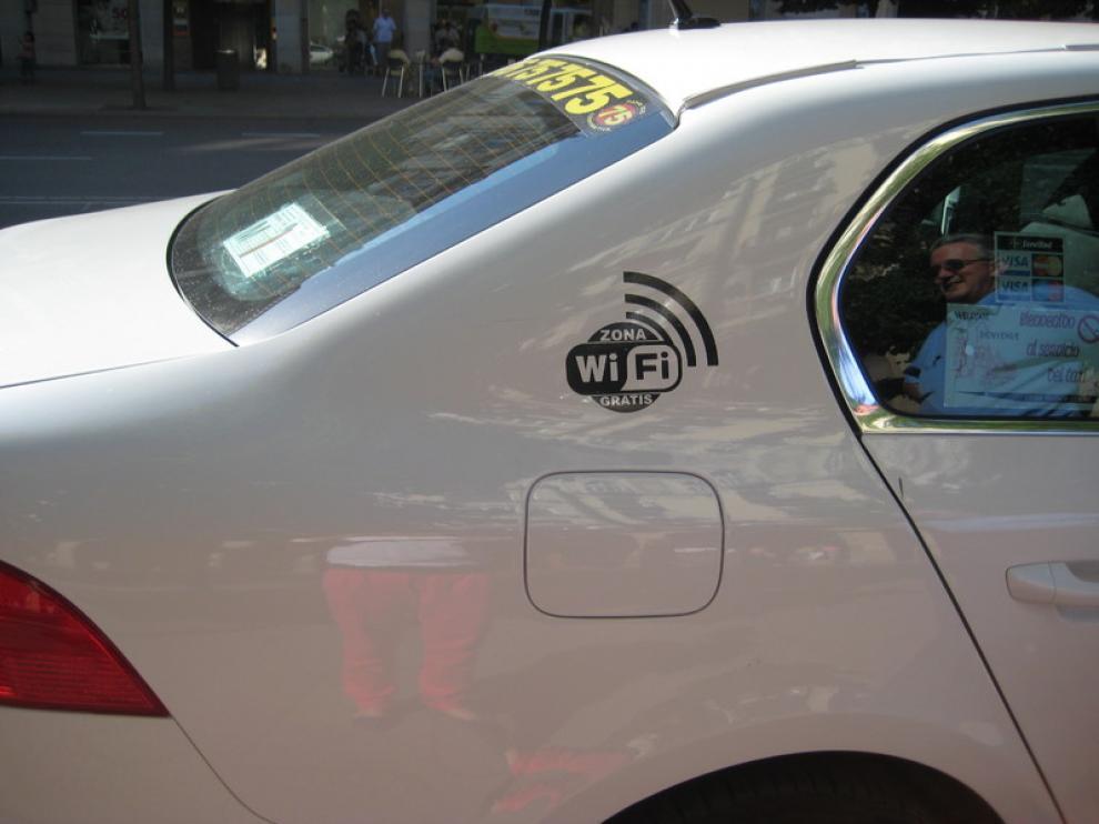 Un taxi con wifi