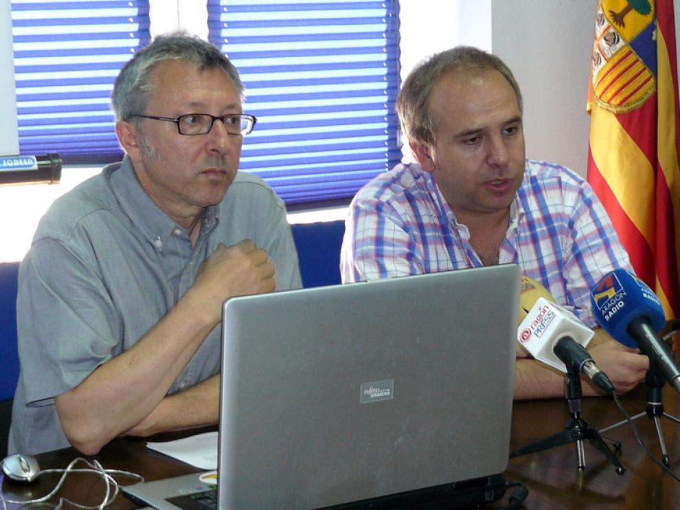 Paco Goyanes, de la Librería Cálamo, y César Muñío, de la Librería París, han presentado esta iniciativa