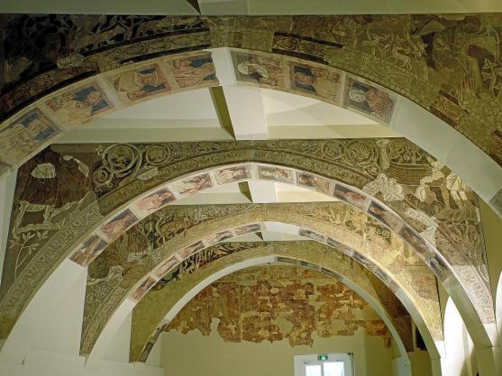 Las pinturas de la sala capitular del monasterio de Sijena en el MNAC de Barcelona.