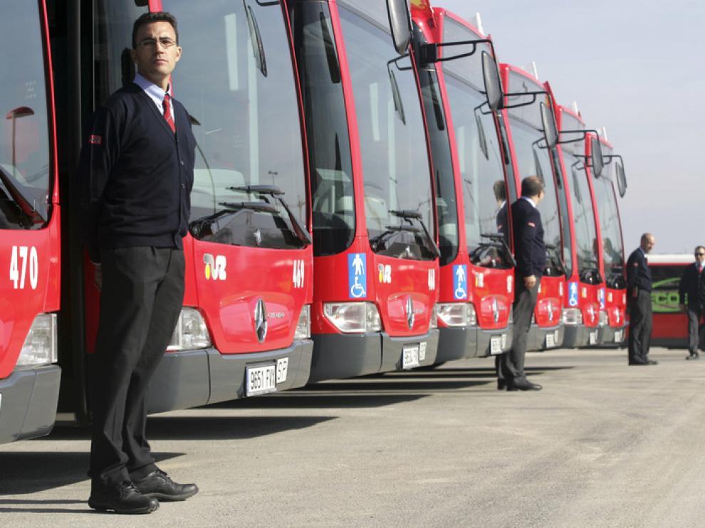 Imagen de archivo de presentación de nuevos autobuses de TUZSA