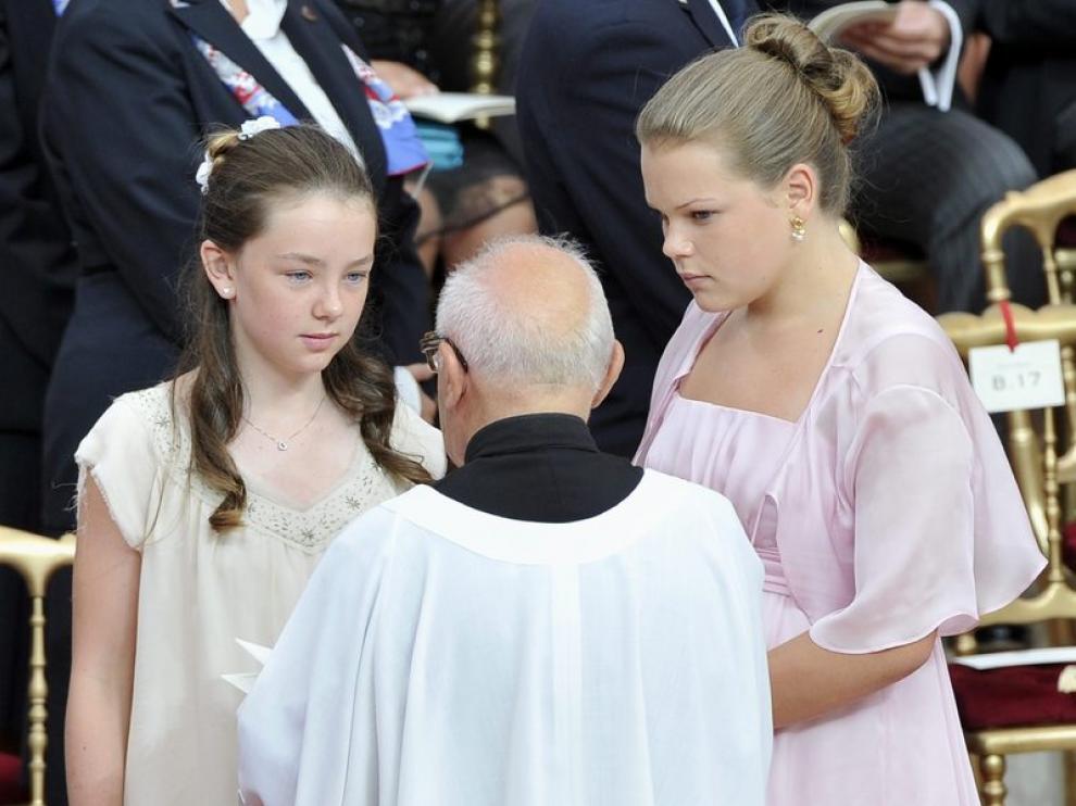 De izquierda a la derecha, las hijas de la princesas Carolina de Mónaco y Estefanía de Mónaco, Alexandra de Hanover y Camila Gottlieb