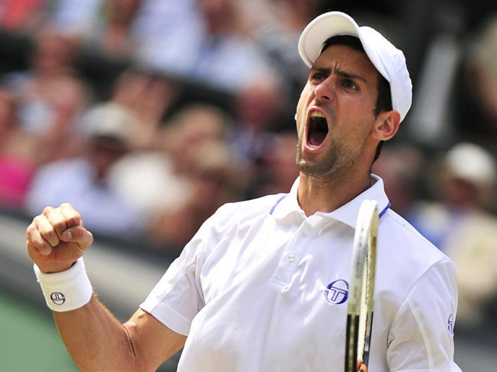 Djokovic celebra un tanto durante la final