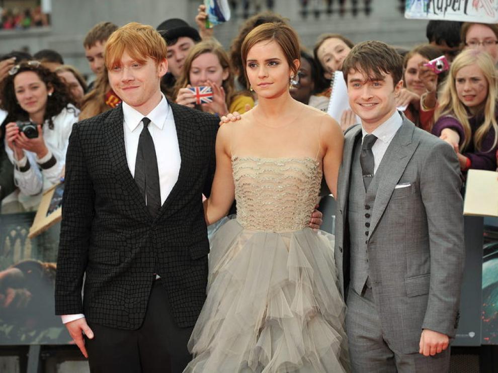 Los tres actores principales posan en la alfombra roja de Londres antes del estreno