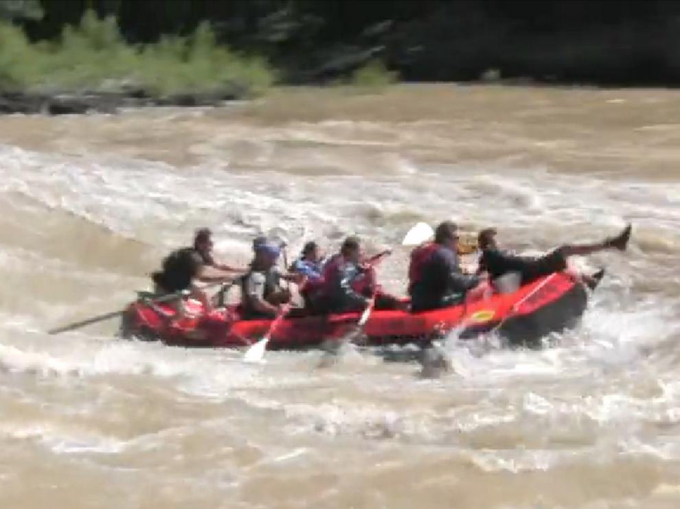 Shakira y Piqué practican rafting