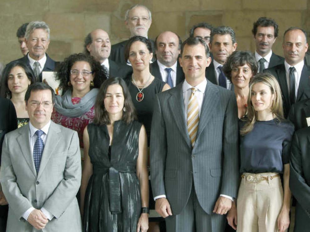 Los Príncipes de Asturias posan con los galardonados