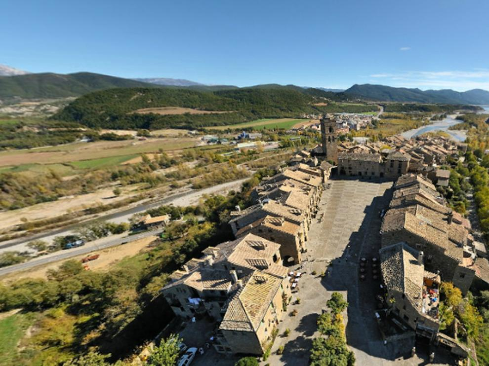 Vista de Aínsa en 360º