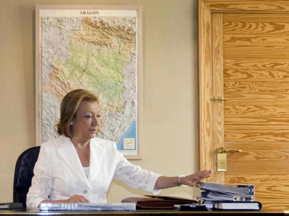 La presidenta de Aragón, Luisa Fernanda Rudi, en su despacho presidencial del edificio Pignatelli