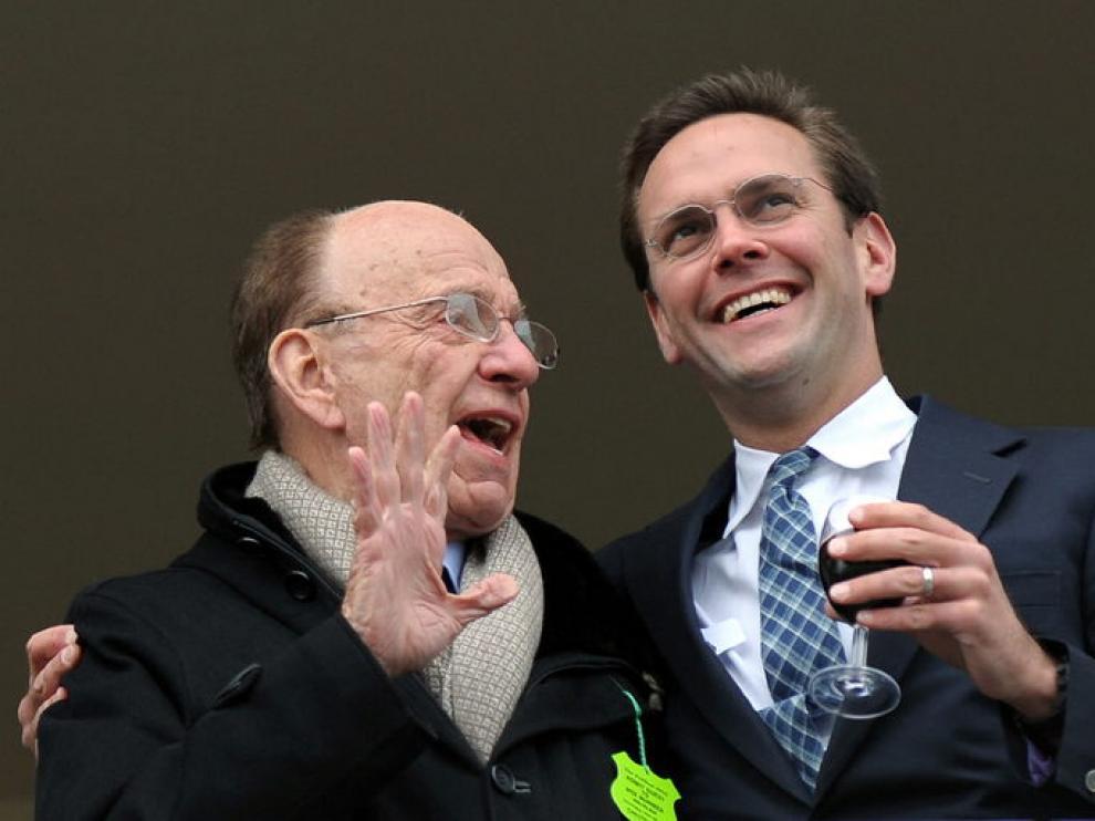 Rupert y James Murdoch, padre e hijo, en una imagen de archivo