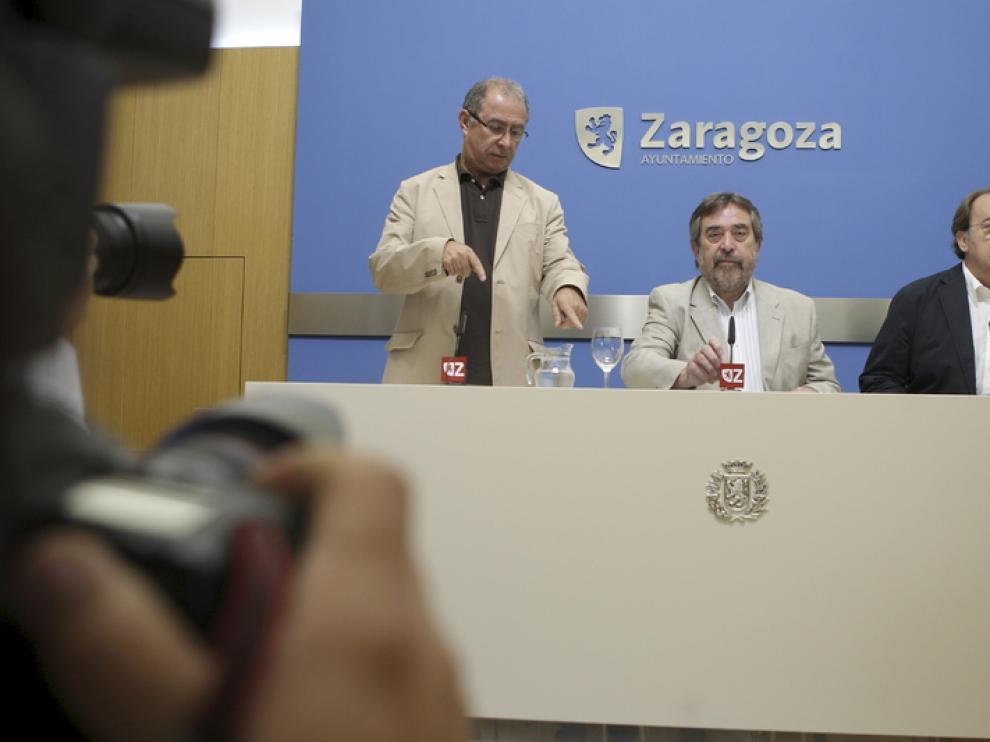 Belloch, durante la presentación de un plan de ahorr de 20 millones de euros